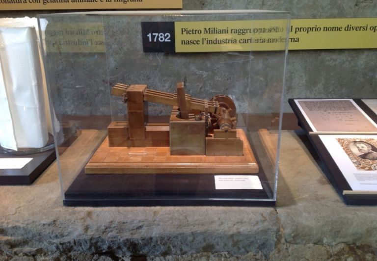 Model of Water-driven mutiple hammer pile for rag refining from Archive of Miliani Paper Mills, preserved by G. Fedrigoni Foundation ISTOCARTa